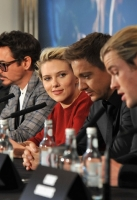 Tom Hiddleston, Robert Downey Jr, Scarlett Johansson, Jeremy Renner and Chris Hemsworth