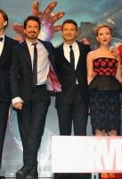 Mark Ruffalo, Tom Hiddleston, Robert Downey Jr, Jeremy Renner, Scarlett Johansson, Cobie Smulders