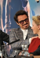 Tom Hiddleston, Robert Downey Jr, Scarlett Johansson and Jeremy Renner