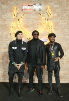 l Caption *** Black Eyed Peas