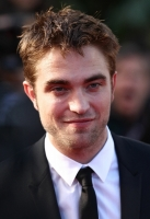 robert-pattinson-at-cannes-2012-12