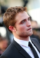 robert-pattinson-at-cannes-2012-15