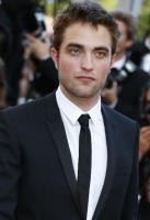 robert-pattinson-at-cannes-2012-3