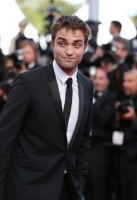 robert-pattinson-at-cannes-2012-4