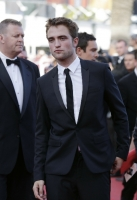 robert-pattinson-at-cannes-2012-8