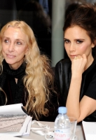 victoria-beckham-london-fashion-week-17