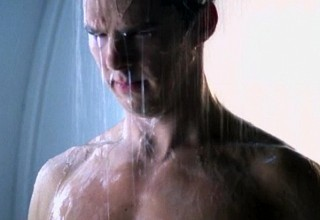 benedic cumberbatch star trek into darkness shower scene