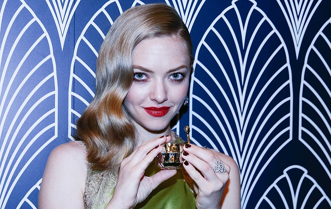 Amanda Seyfried Cl 233 De Peau Beaut 233 2016 Launch Red