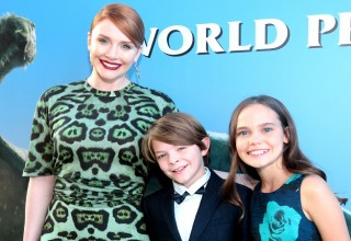 Bryce Dallas, Oakes Fegley, Oona Laurence
